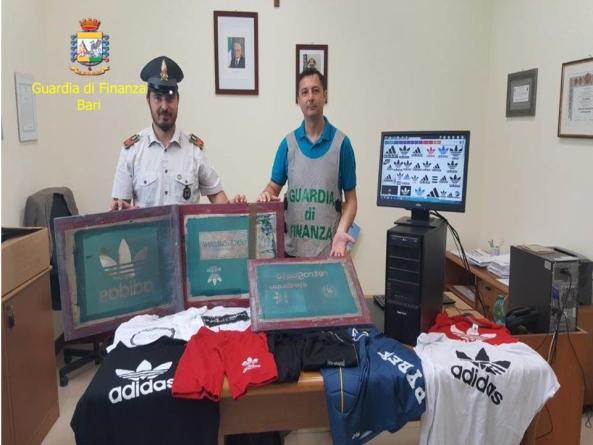 Capi moda contraffatti: sequestro a Trani